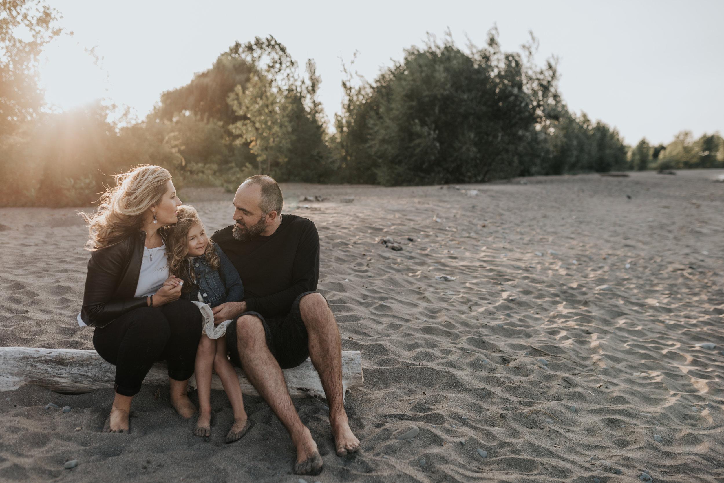 Windy beach session, lifestyle family photography, Grimsby, Beamsville, Hamilton, Niagara 4399
