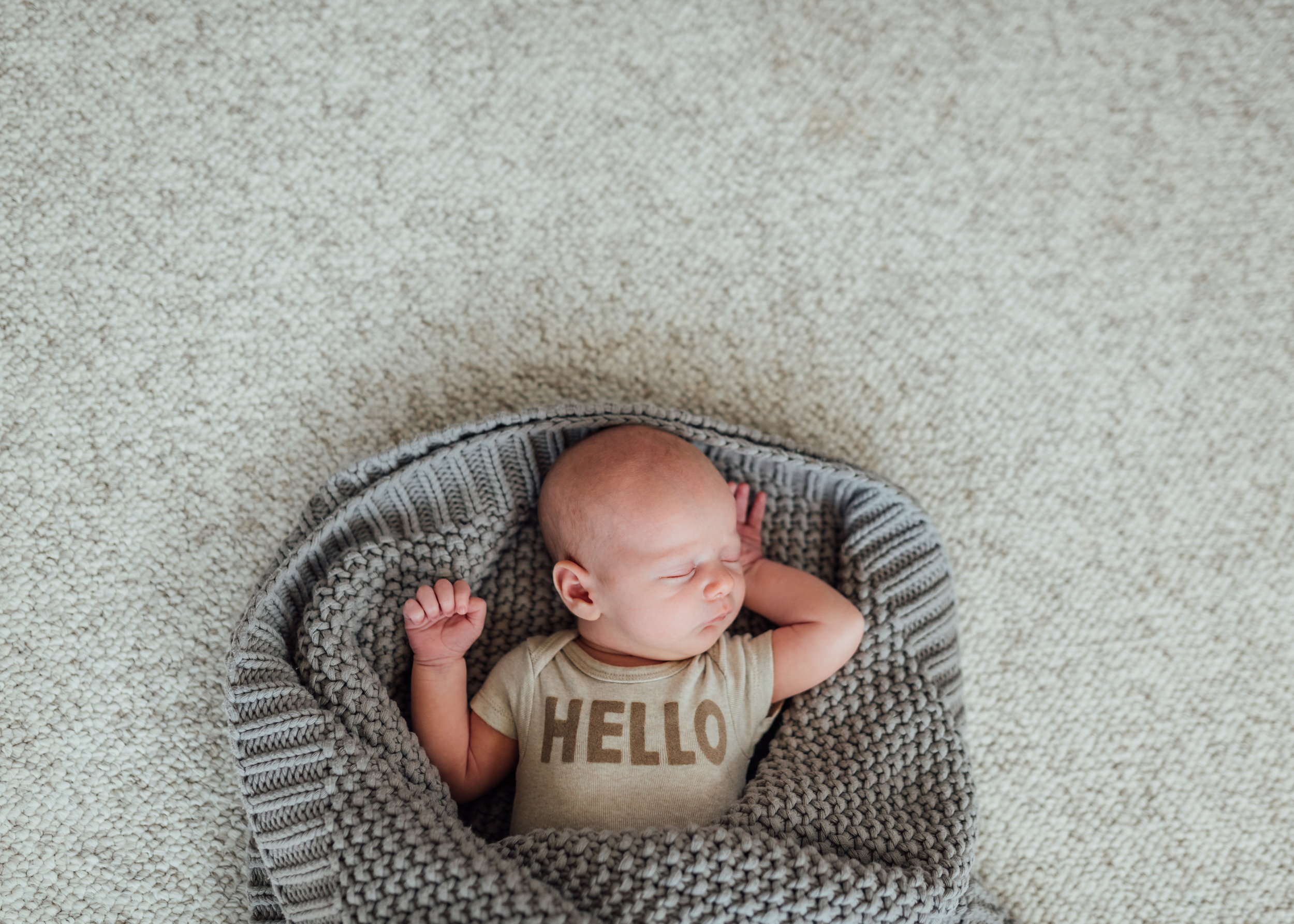 At home newborn session Stoney Creek, Hamilton, Grimsby, Beamsville, Niagara region