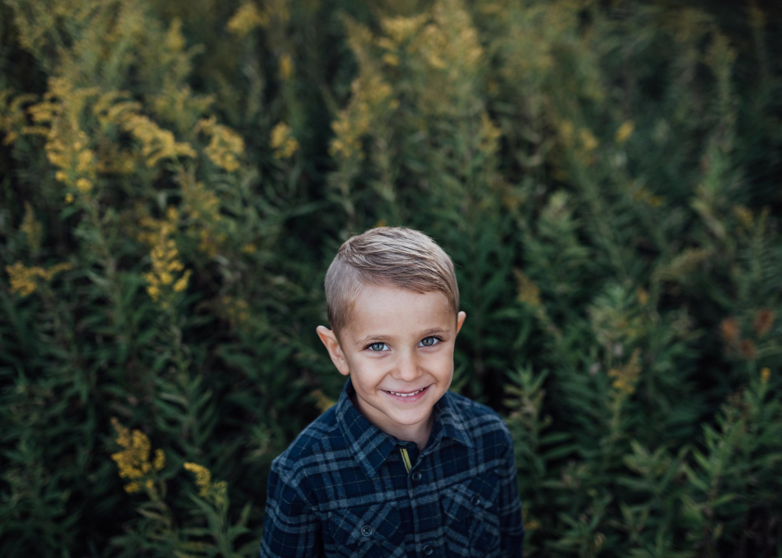 Children, family photographer, Milestone, Hamilton, Niagara, Beamsville, Grimsby