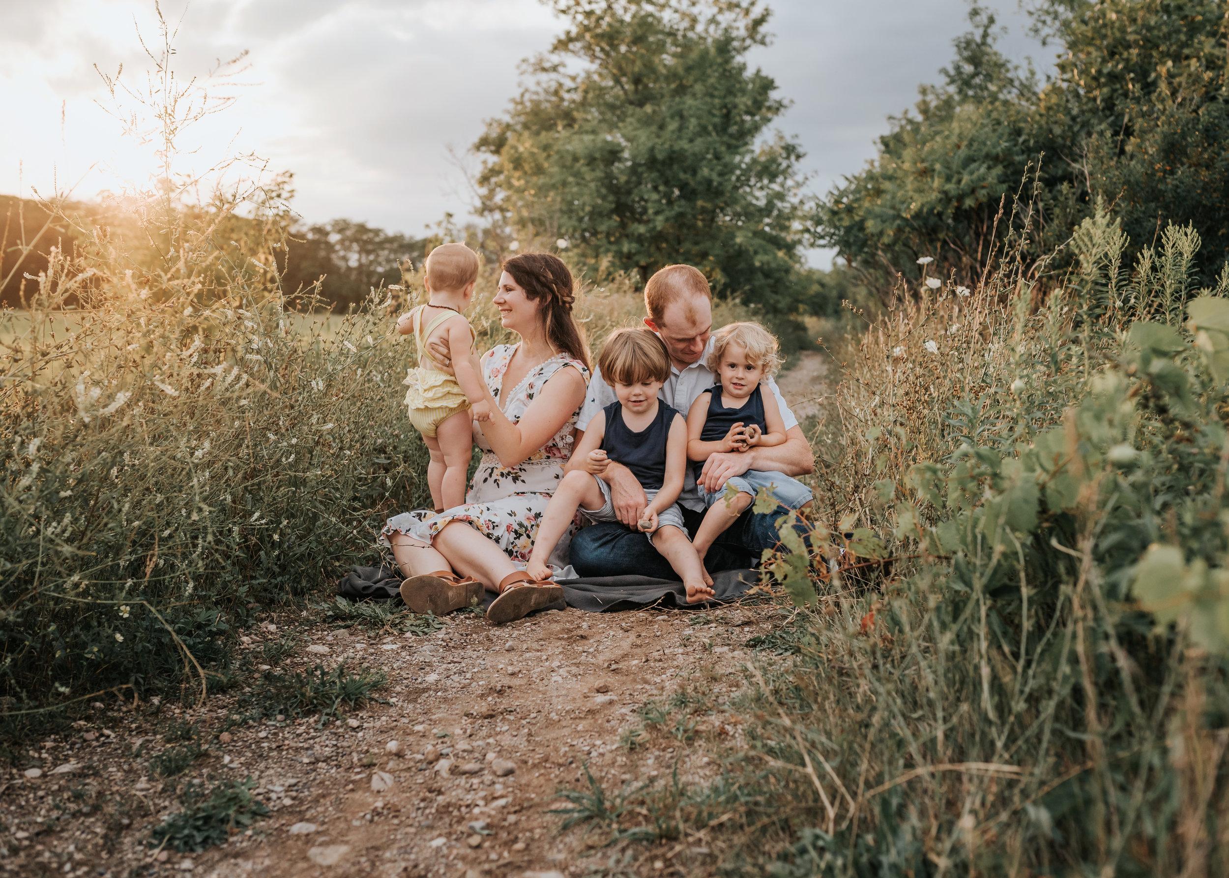 Hamilton & Niagara Family Photographer