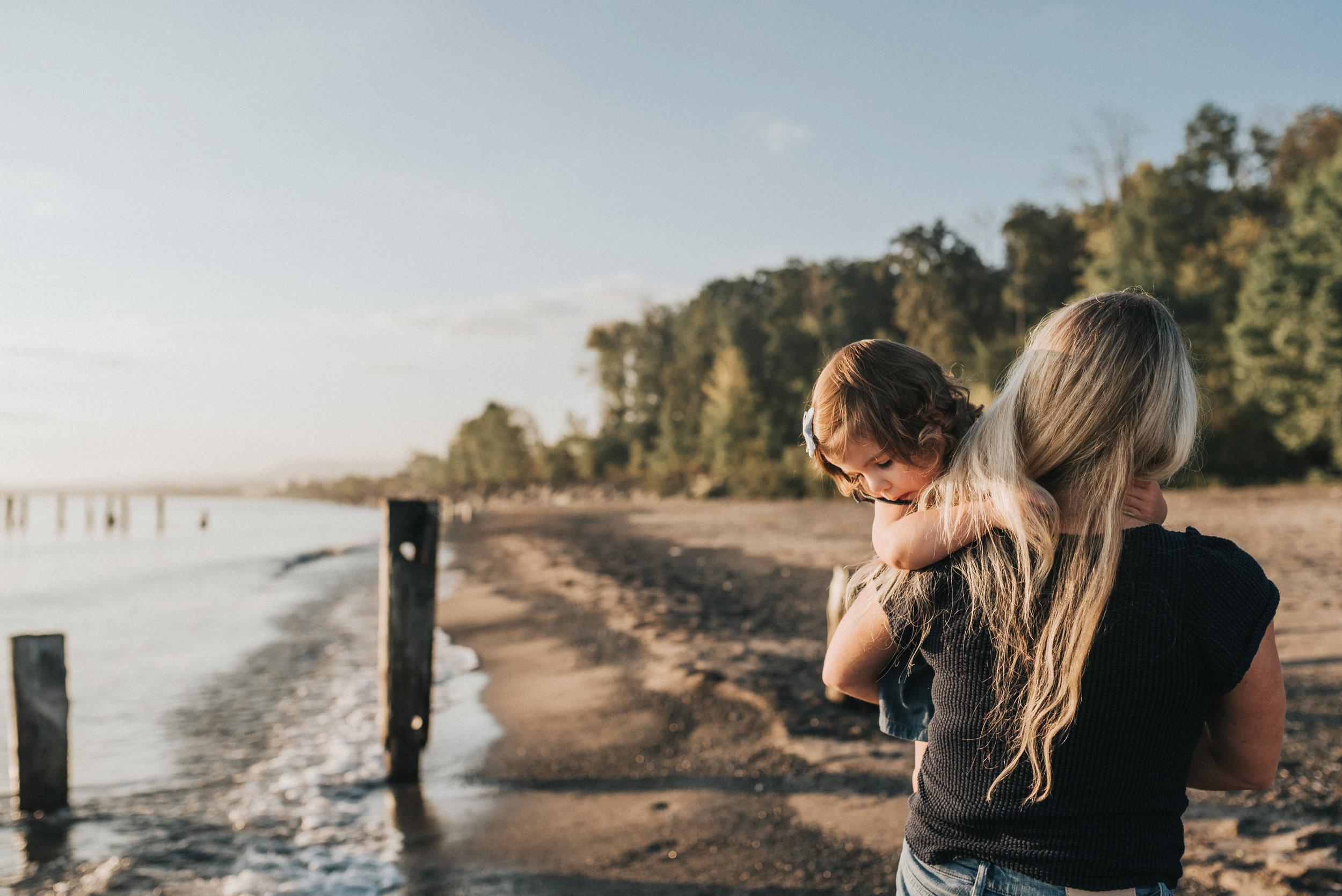 Grimsby-Hamilton-Niagara-Family-Photography-Beach-Session-Lifestyle-Photographer-a9.jpg
