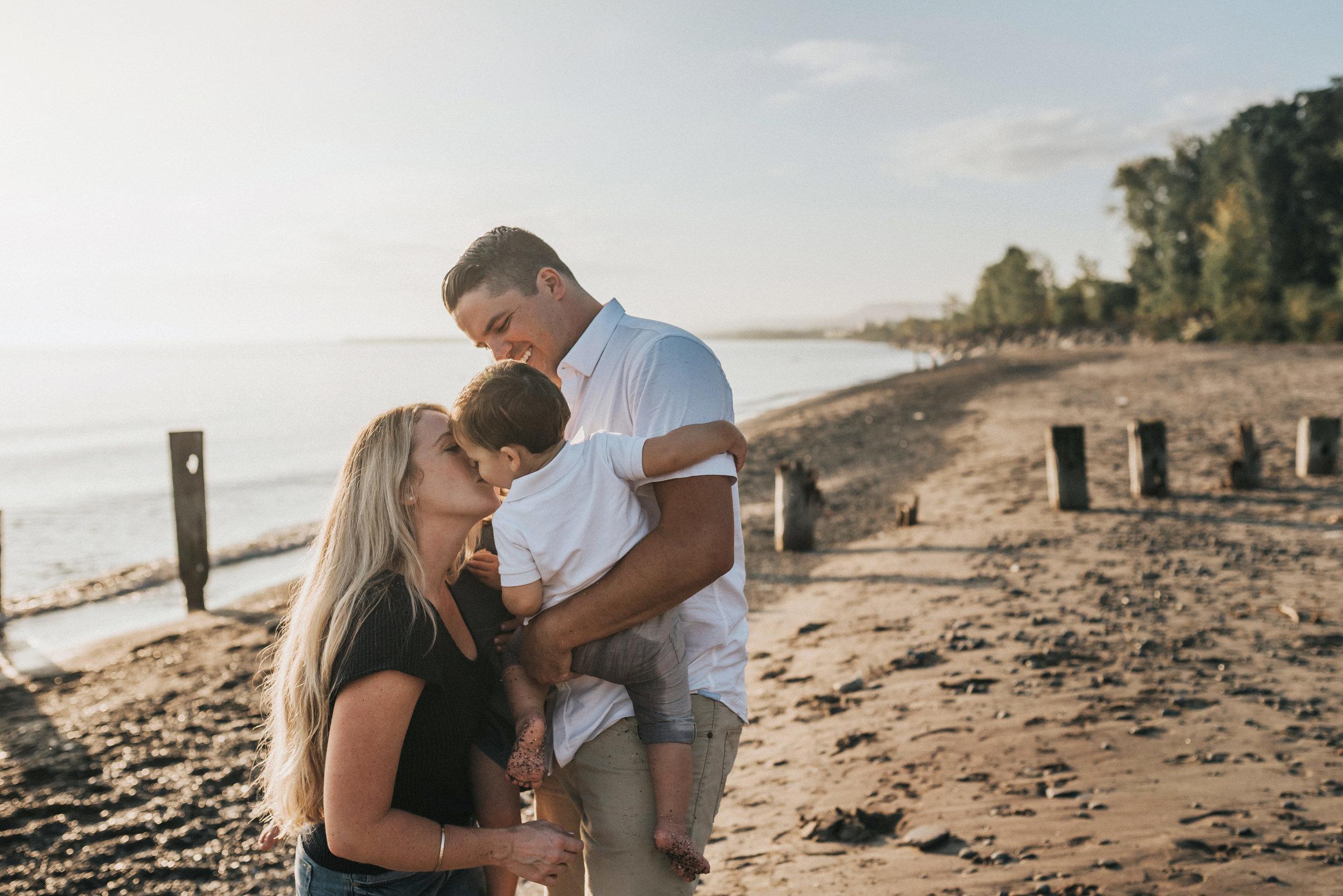 Grimsby-Hamilton-Niagara-Family-Photography-Beach-Session-Lifestyle-Photographer-a15.jpg