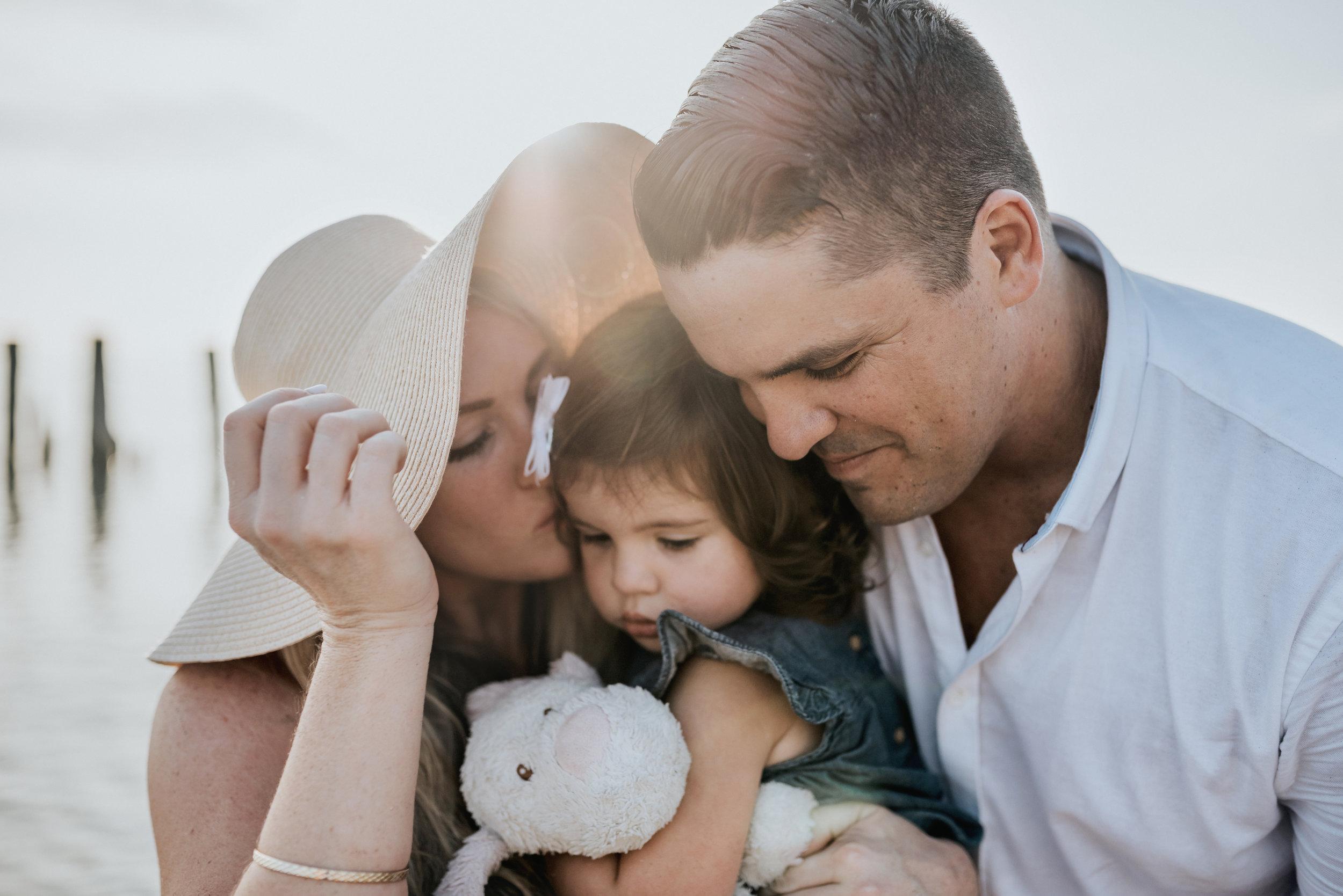 Grimsby-Hamilton-Niagara-Family-Photography-Beach-Session-Lifestyle-Photographer-a24.jpg