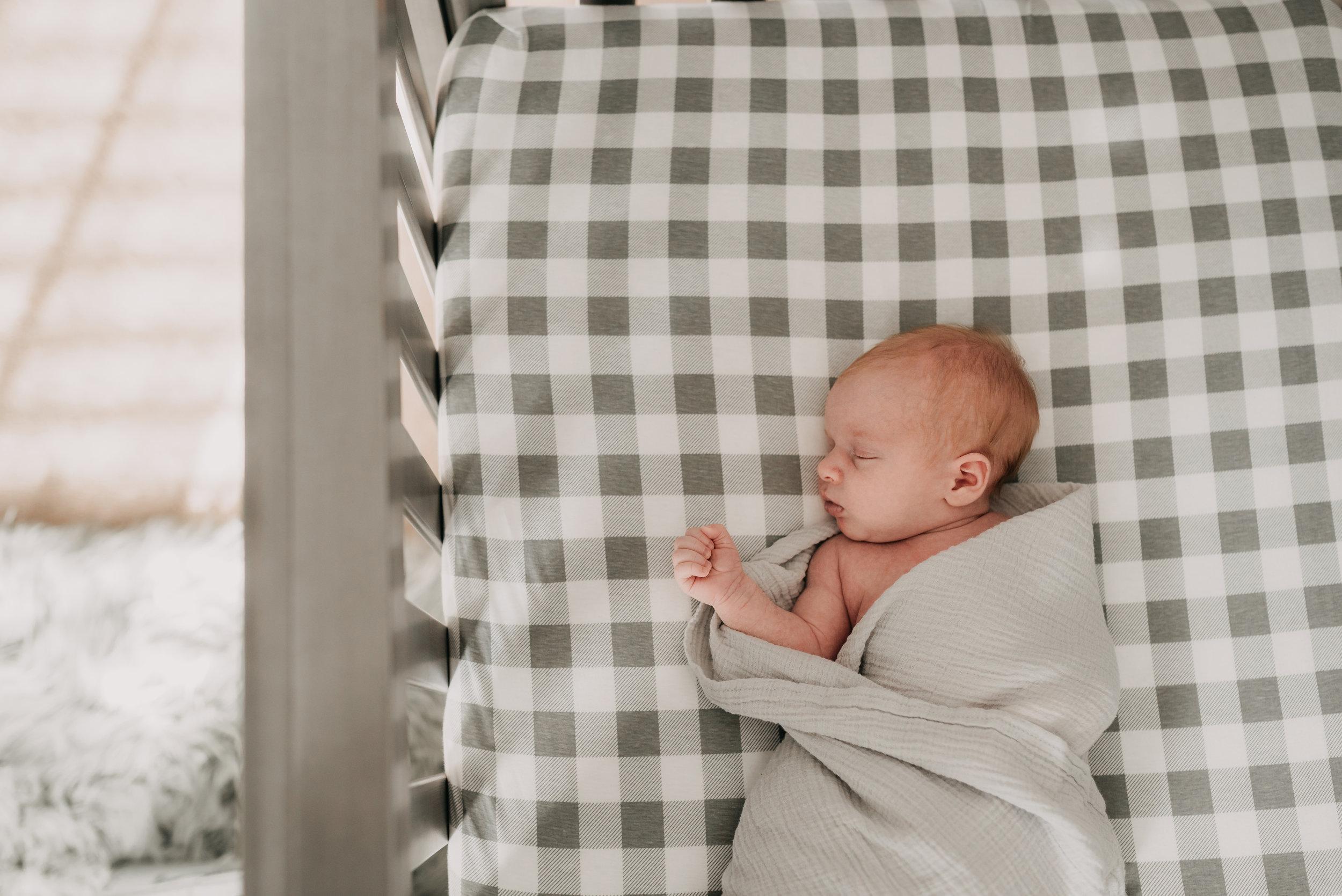 Newborn Photographer, Baby, Family session, Hamilton and Niagara Family Photographer, Grimsby, Beamsville, Lincoln