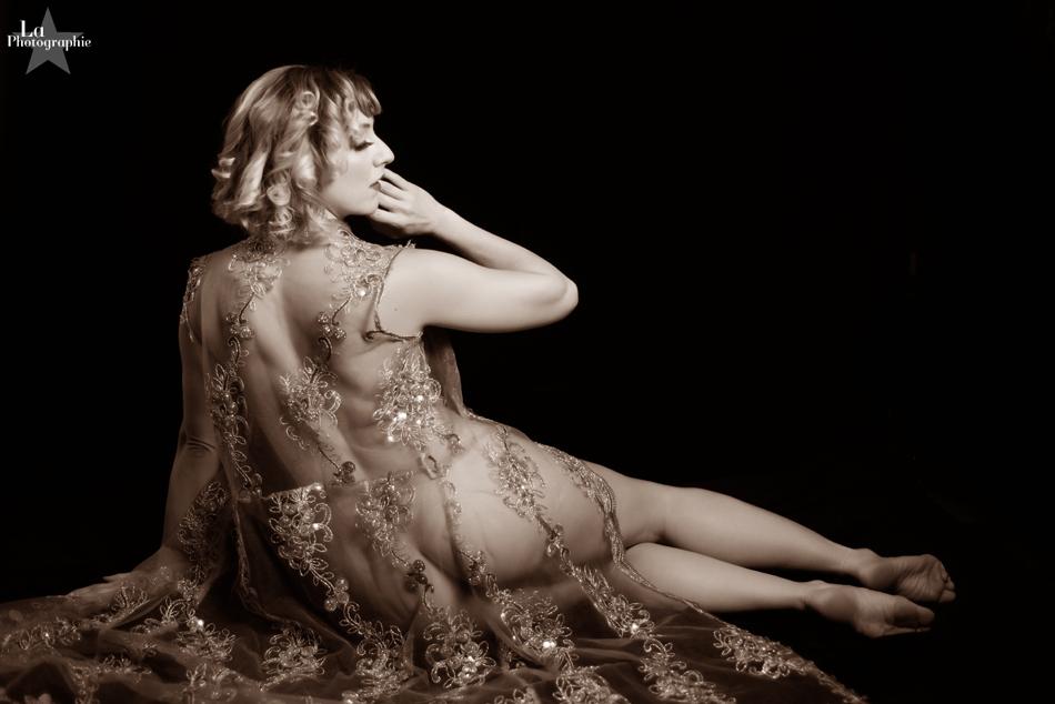 Lola Van Ella by La Photographie Boudoir 04.jpg