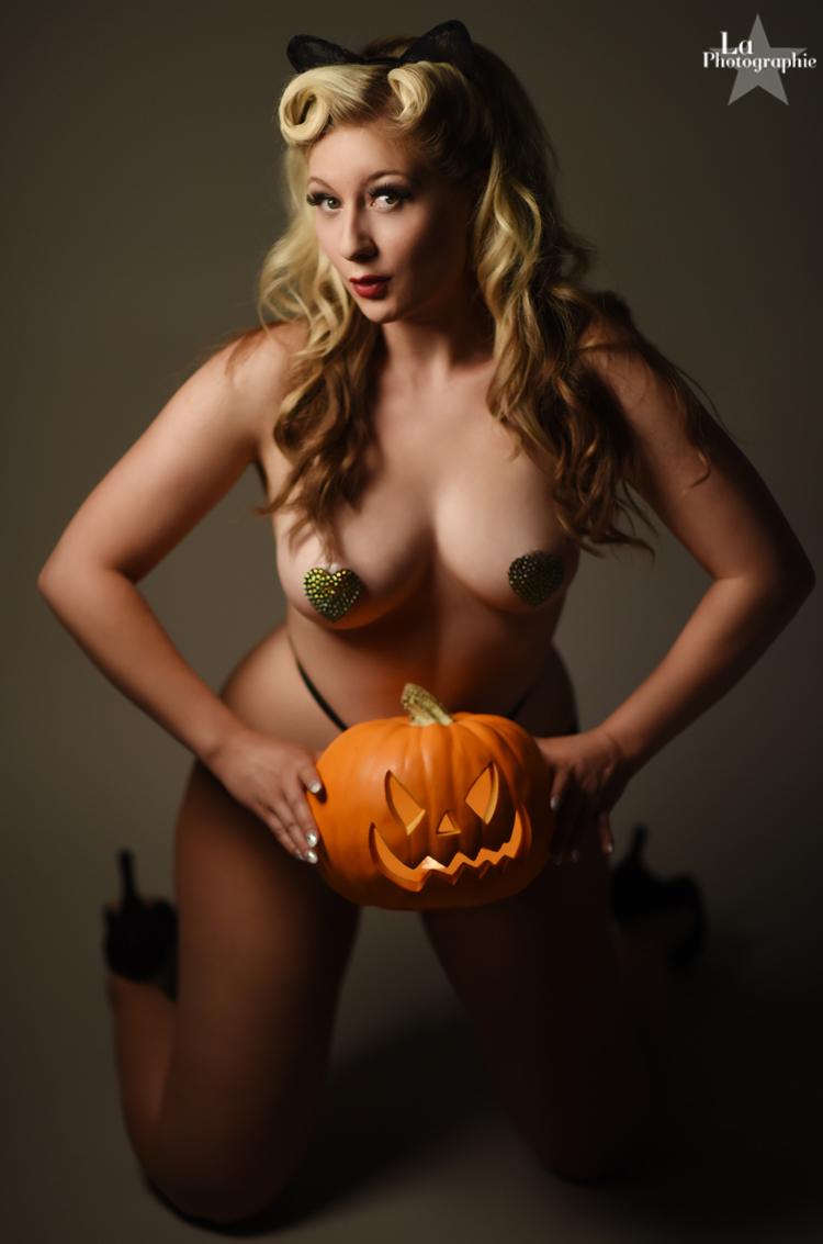 La Photographie Boudoir Halloween Pinup 09.jpg