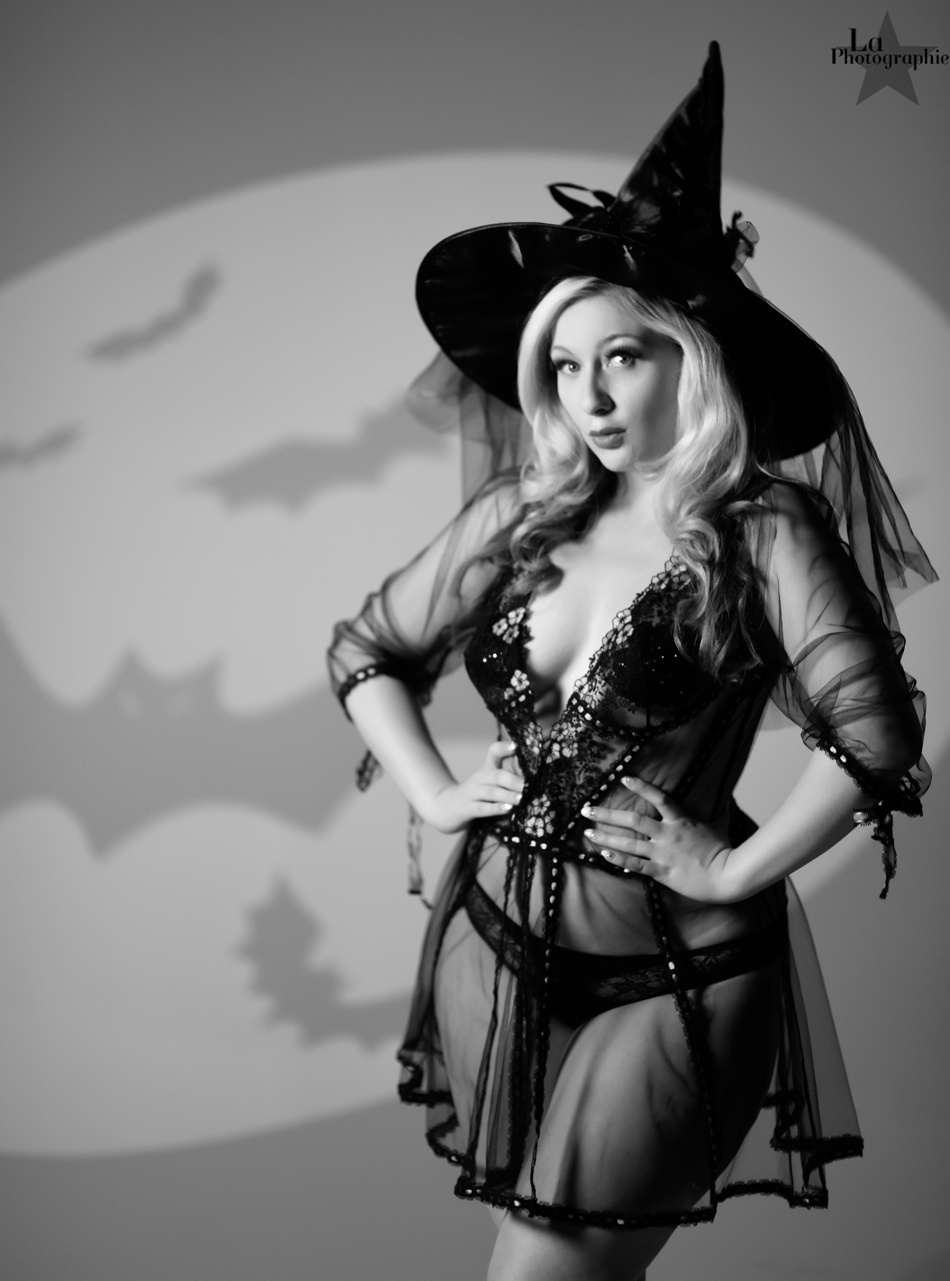 La Photographie Boudoir Halloween Pinup 11.jpg