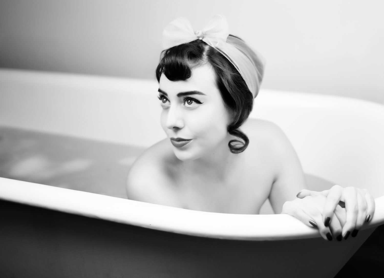 Bathtub Boudoir Photographer in Denver La Photographie 04.jpg