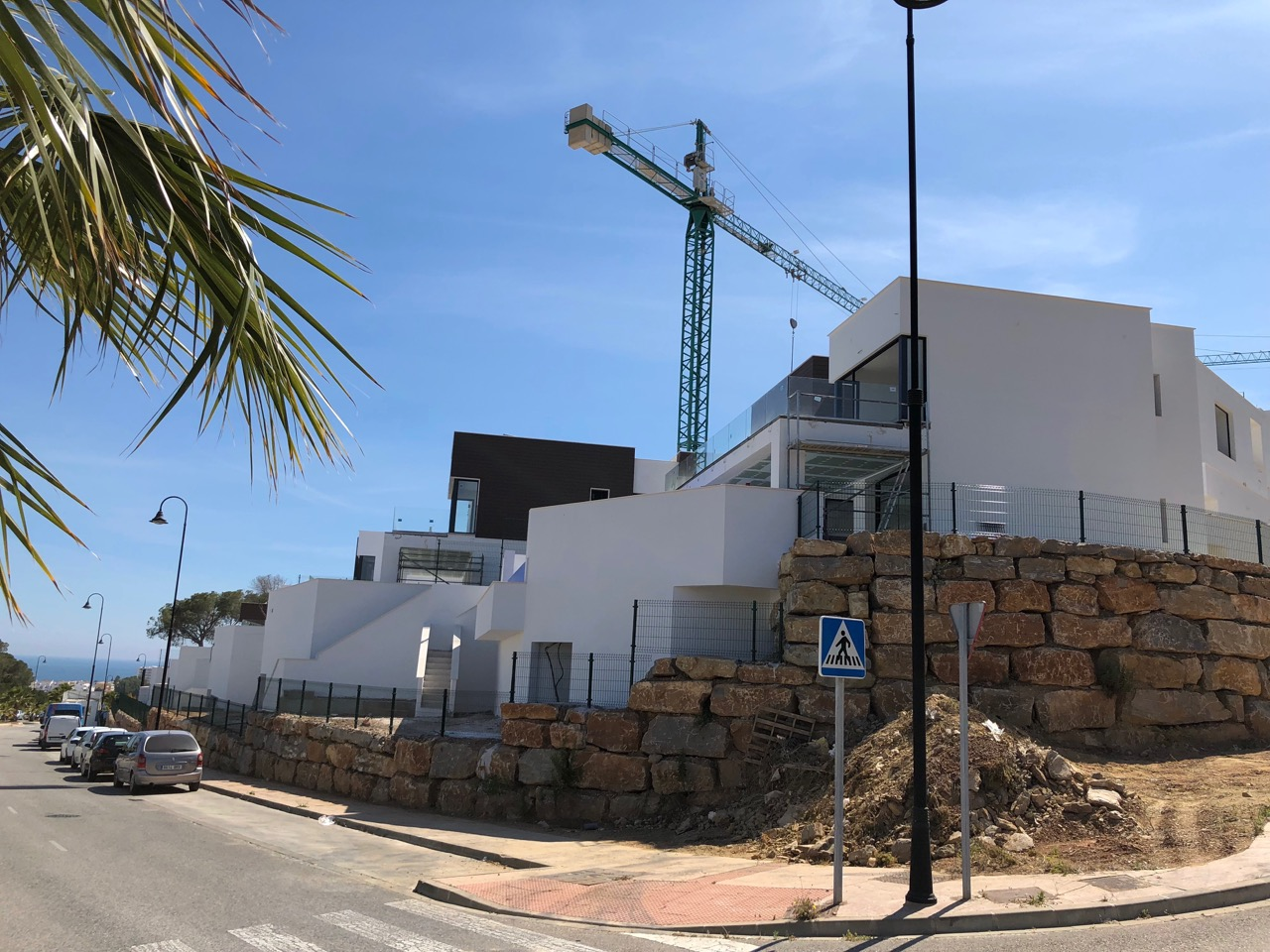26/05/2018 Villa 7 and 8, from the main road