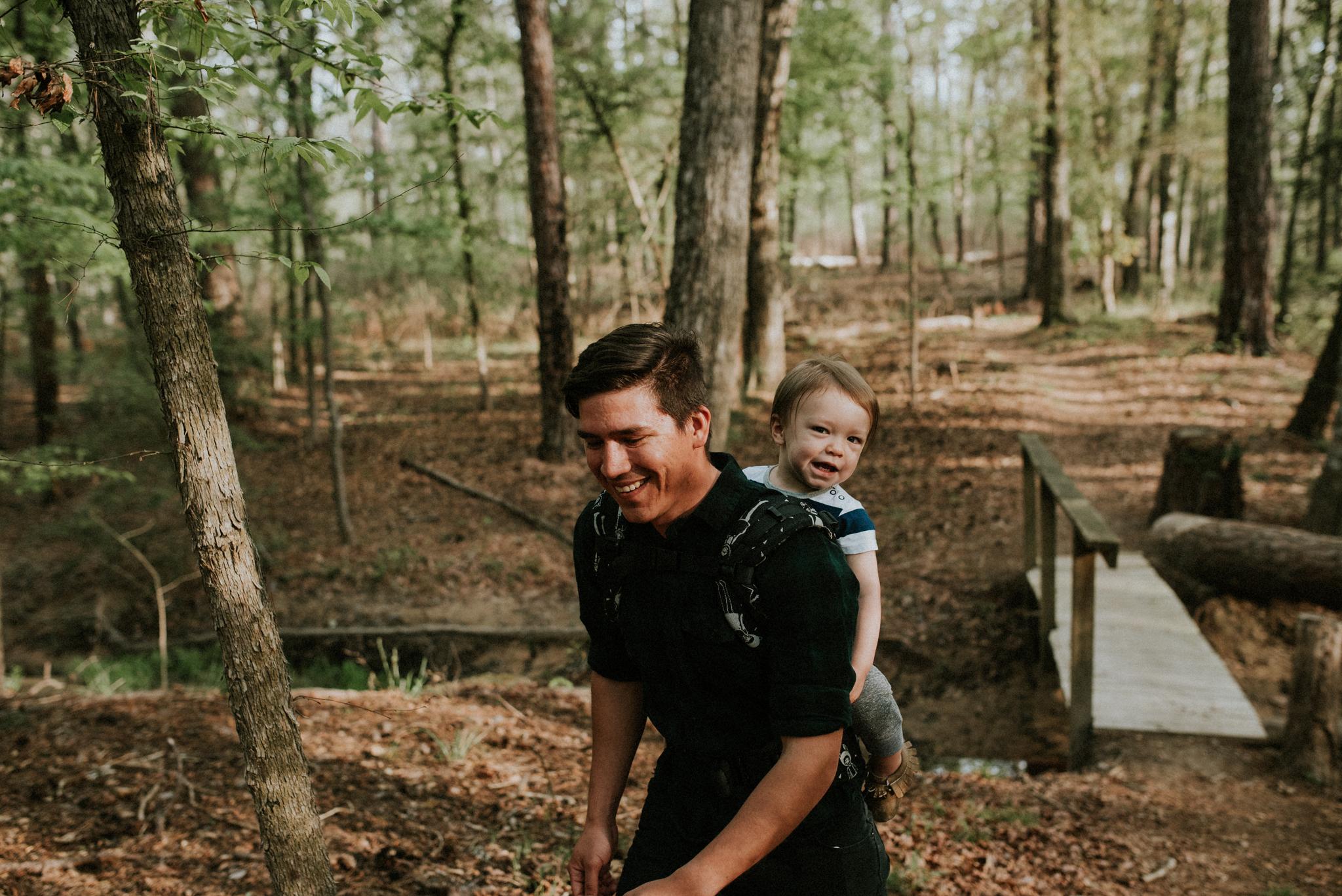 corpus-christi-family-photographer-Houston-Texas-Davy-Crockett-National-Forest