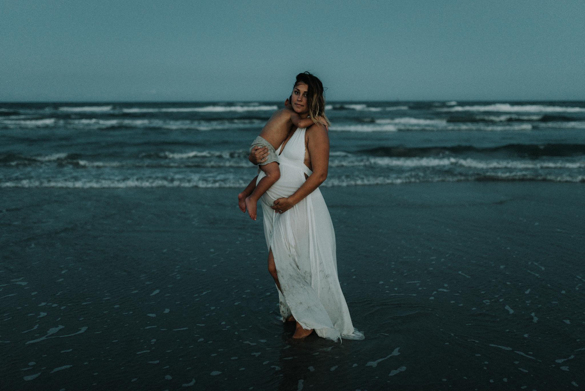 intimate motherhood maternity session corpus christi photographer kerlyn van gelder photography