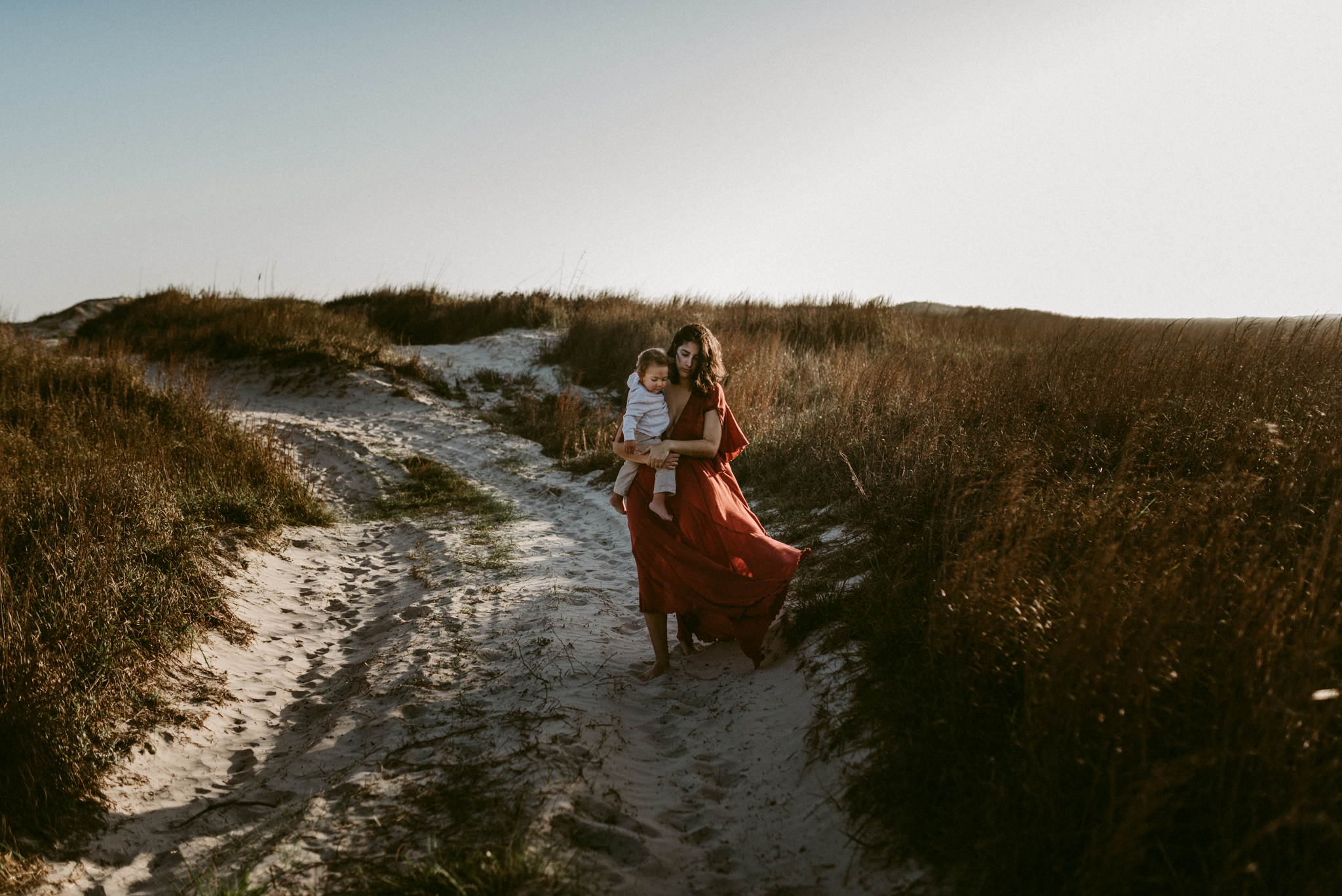 Intimate-Outdoor-Padre-Island-Motherhood-Session-Kerlyn-Van-Gelder-Photography-Corpus-Christi-Photographer