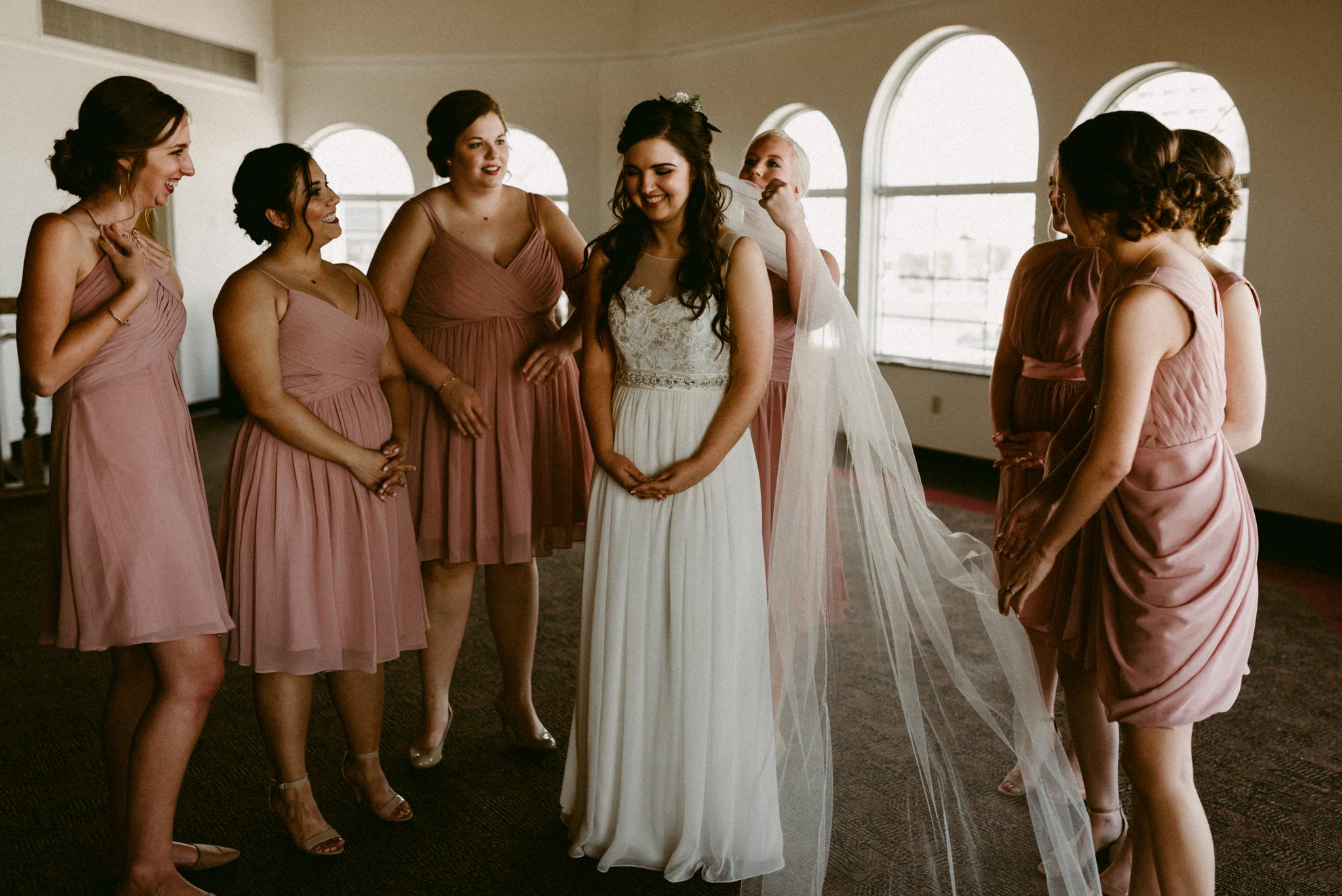 intimate-boho-corpus-chritsi-art-center-wedding-kerlyn-van-gelder-photography-corpus-christi-wedding-photographer