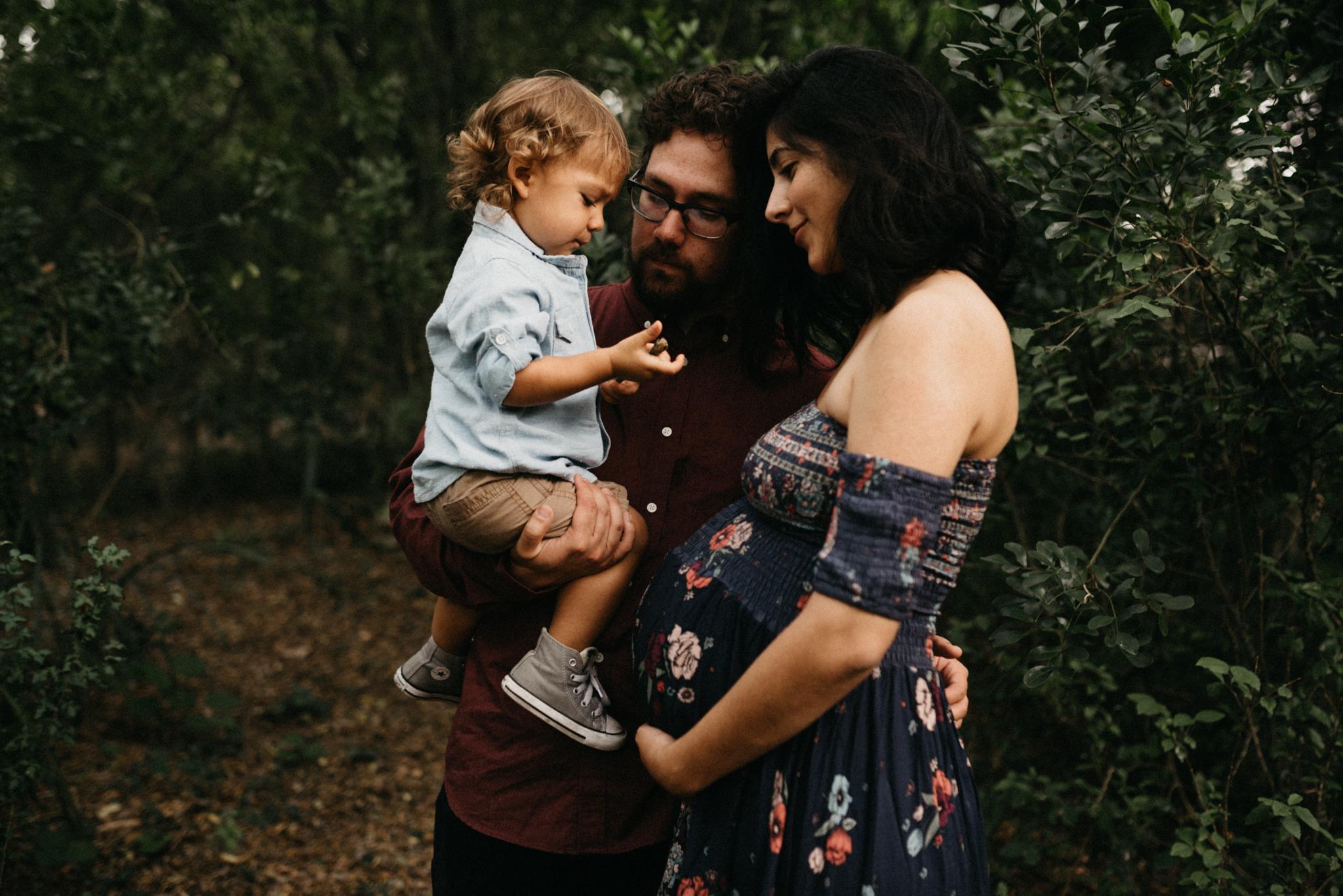Forest-Woodsy-Family-Maternity-Rustic-Motherhood-Session-Kerlyn-Van-Gelder-Photography-Corpus-Christi-Photographer
