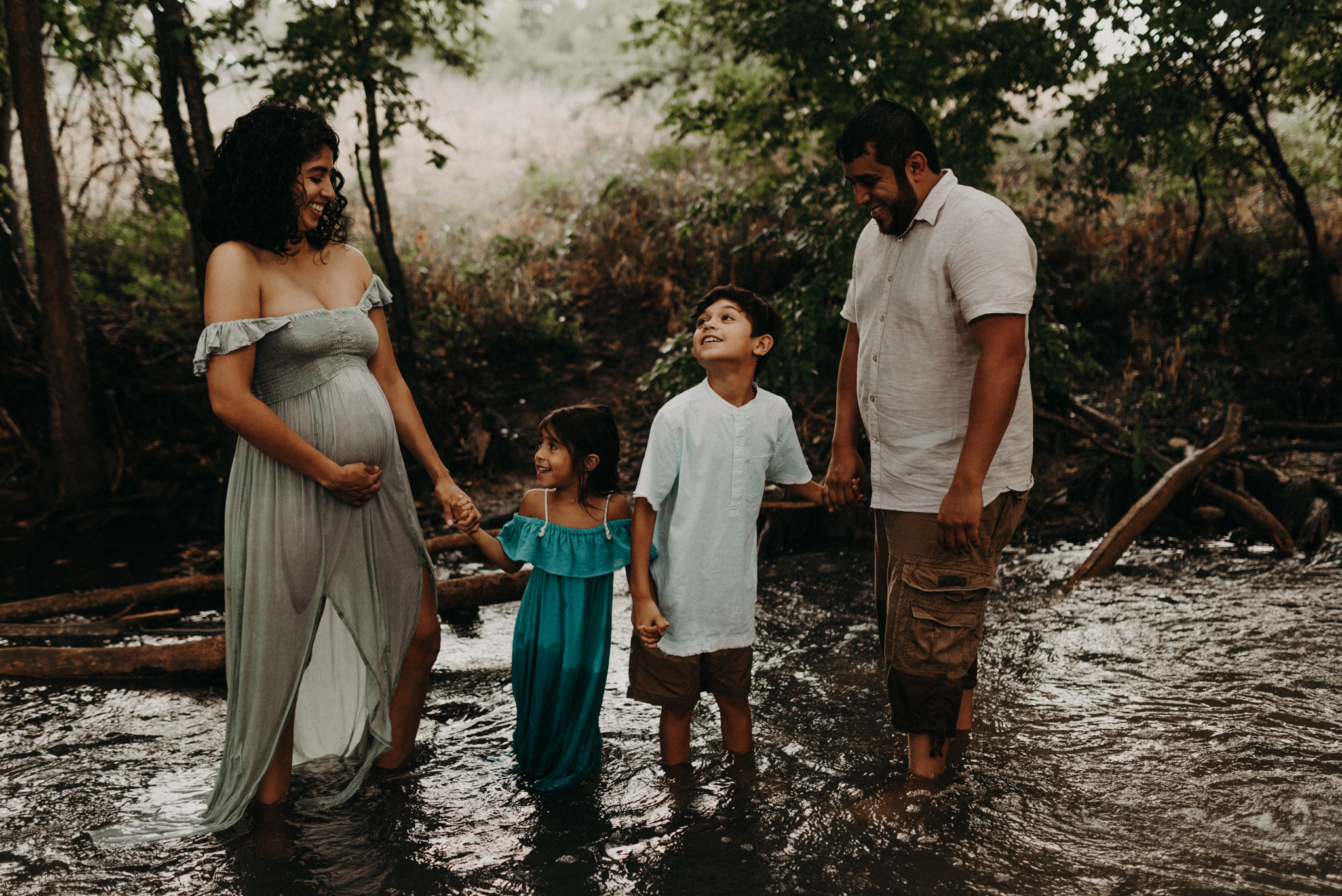 greenery-river-adventurous-family-session-cibolo-nature-center-kerlyn-van-gelder-san-antonio-photographer-corpus-christi-photographer