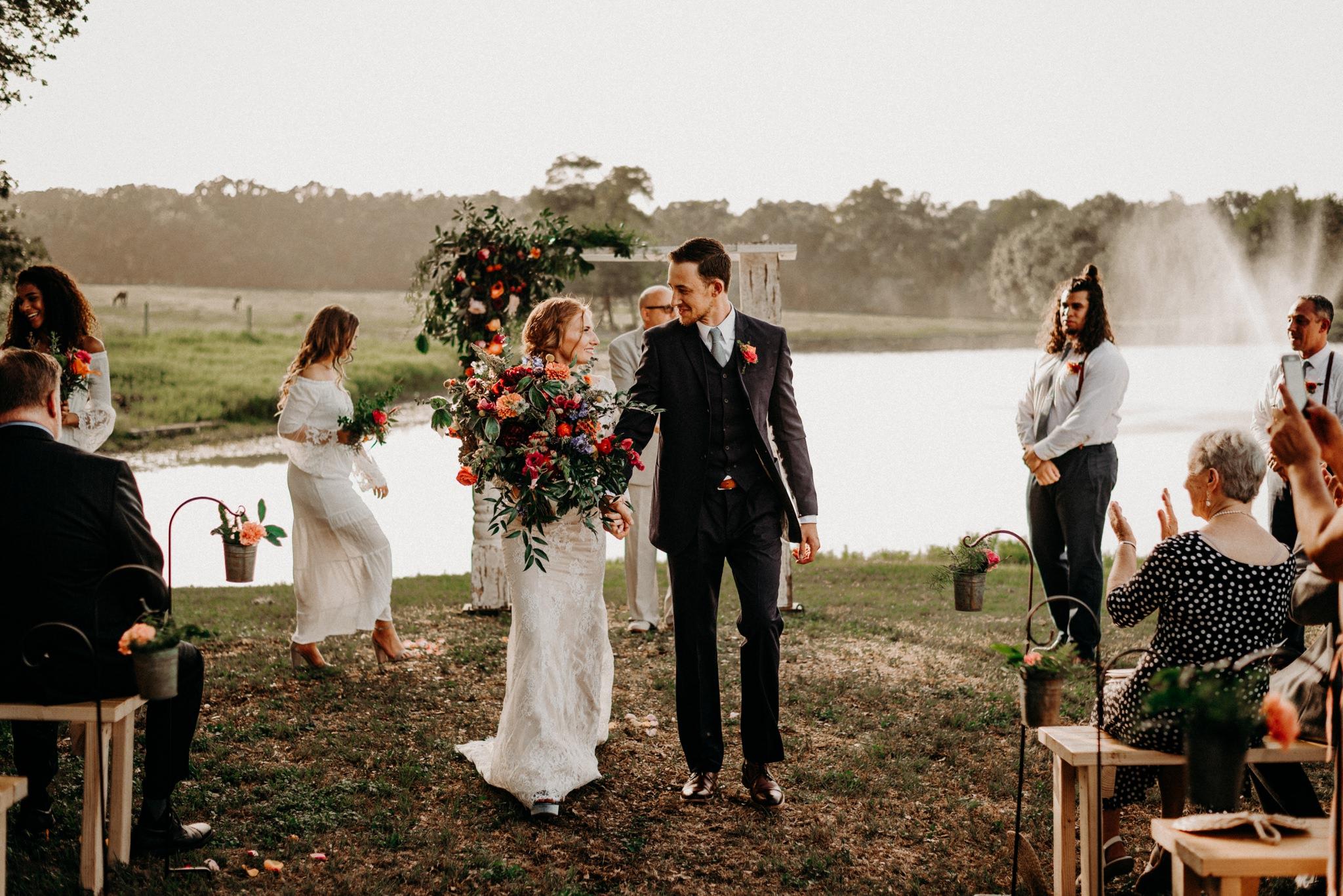 boh0-floral-greenery-lakeside-intimate-houston-wedding-kerlyn-van-gelder-photography-wedding-photographer
