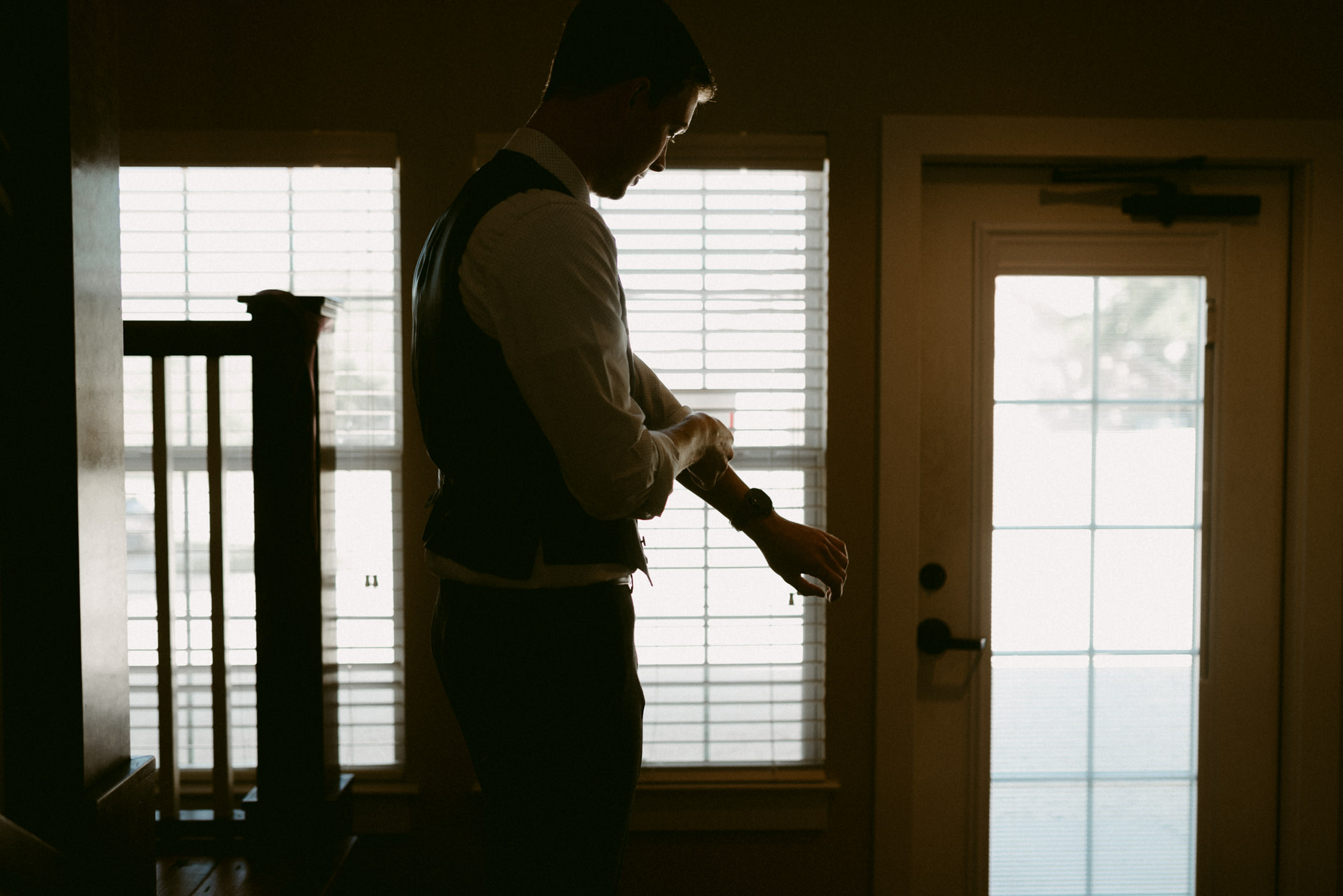 Intimate-Cathedral-Oaks-Wedding-Groom-Getting-Ready-Kerlyn-Van-Gelder-Photography-Austin-Wedding-Photographer
