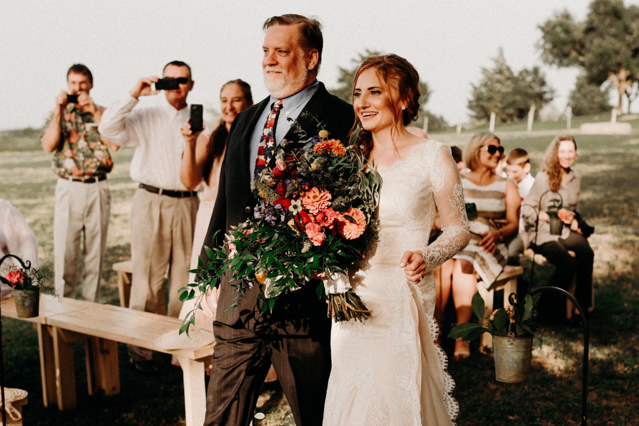 cottages-on-mill-creek-bohemian-floral-greenery-lakeside-intimate-houston-wedding-kerlyn-van-gelder-photography-wedding-photographer