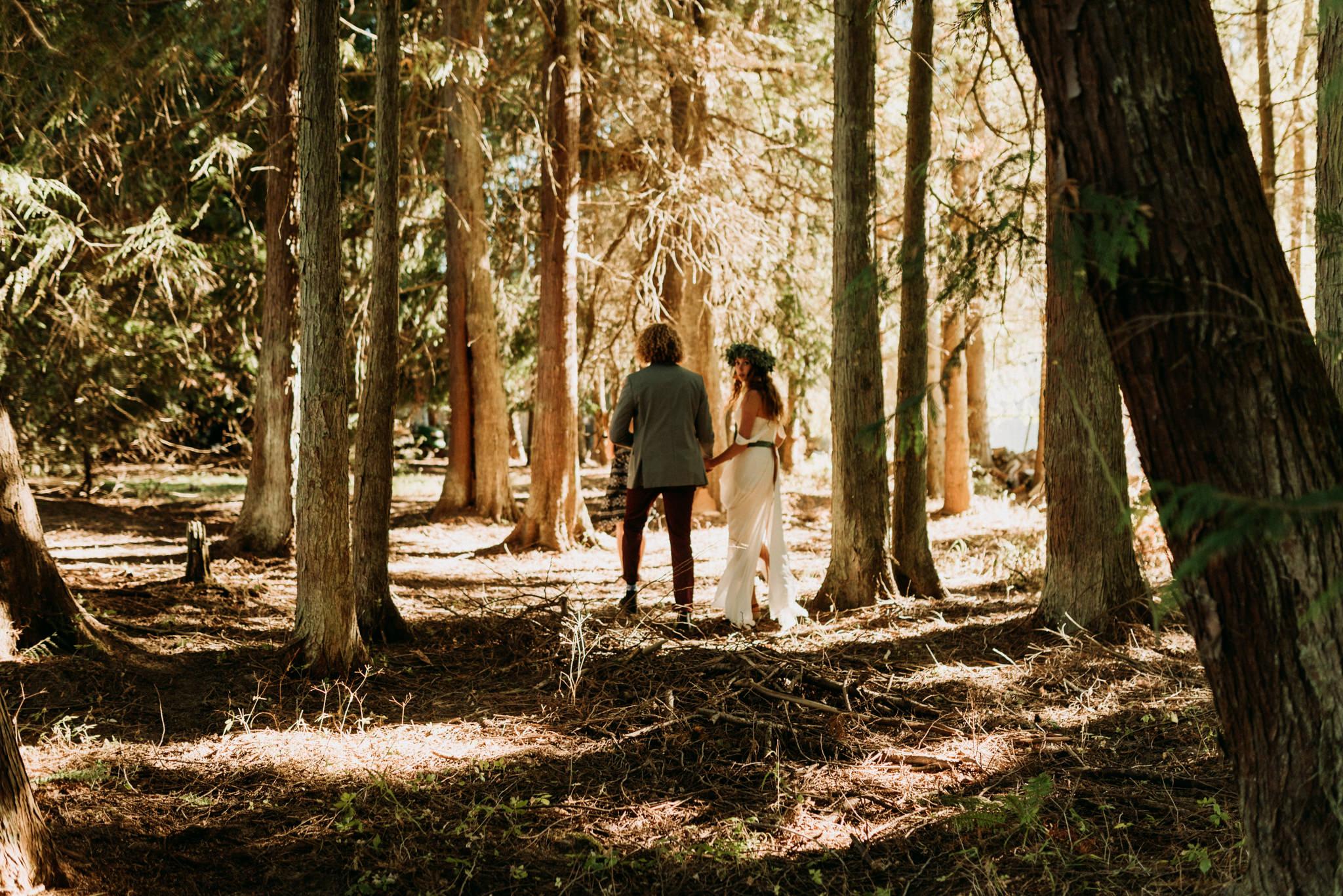 magical-bohemian-barnhouse-greenery-port-angeles-washington-forest-seaside-grassy-backyard-wedding-Kerlyn-Van-Gelder-Photography-Washington-Wedding-Photographer