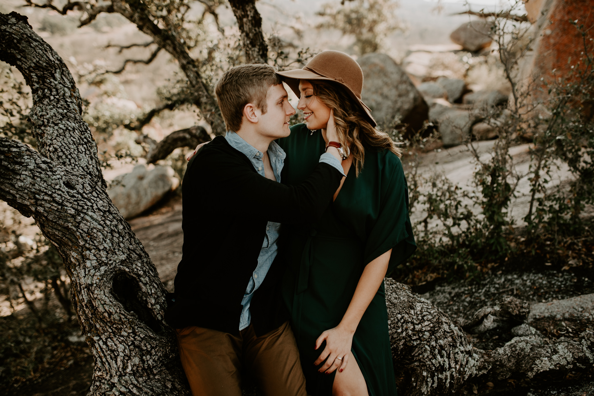 Stunning-Midday-Intimate-Moody-Engagement-Session-at-Enchanted-Rock-Kerlyn-Van-Gelder-Photography-Austin-Wedding-Photographer