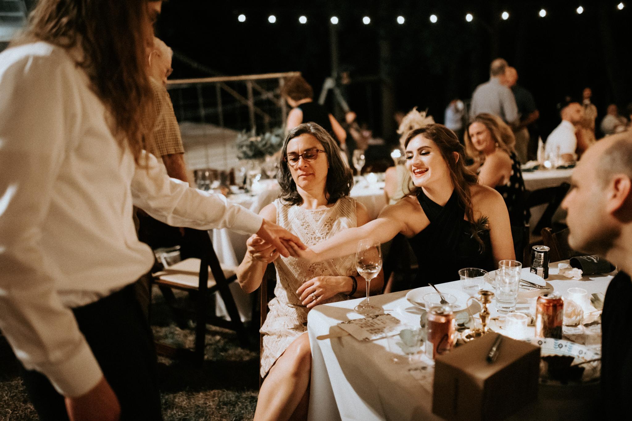 intimate-small-backyard-forest-wedding-nacogdoches-houston-wedding-photographer-kerlyn-van-gelder-photography