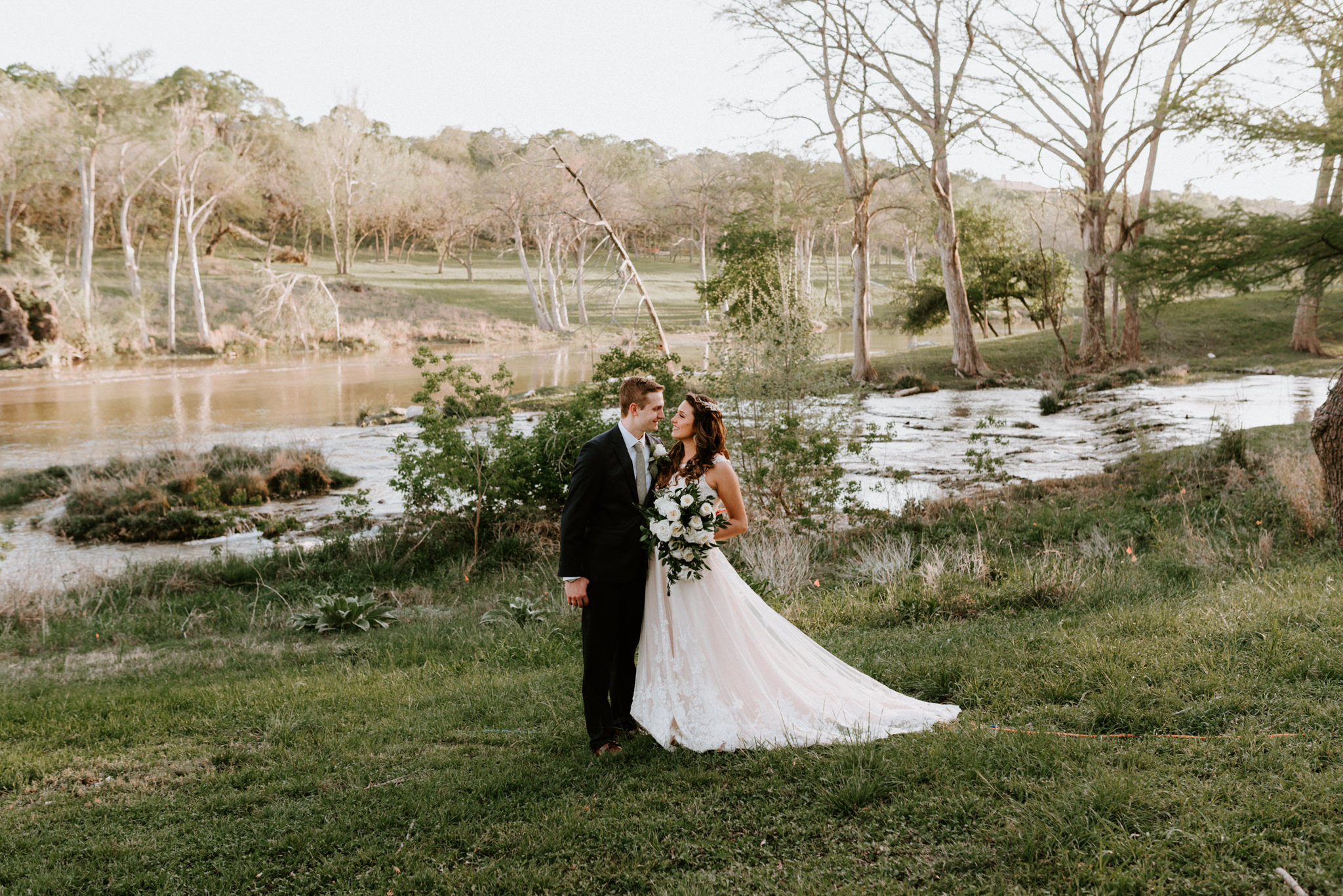 sunny-spring-wedding-wildflowers-log-cabin-bride-details-forest-the-waters-point-wimberley-texas-kerlyn-van-gelder-photography-austin-wedding-photographer