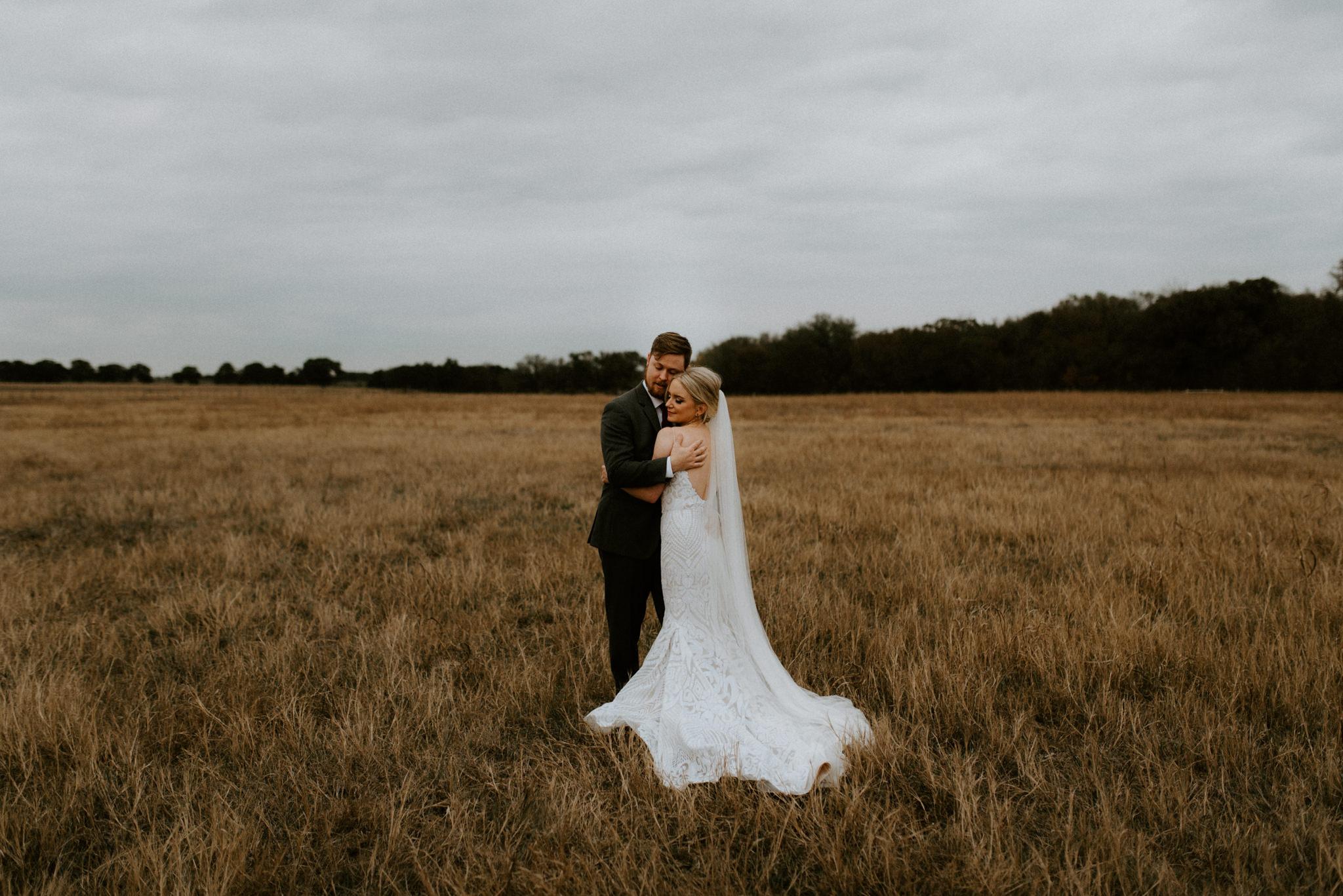 Moody-Vintage-Chic-Wedding-Vintage-Oaks-Wedding-Venue-Kerlyn-Van-gelder-Photography-Austin-Wedding-Photographer469.jpg
