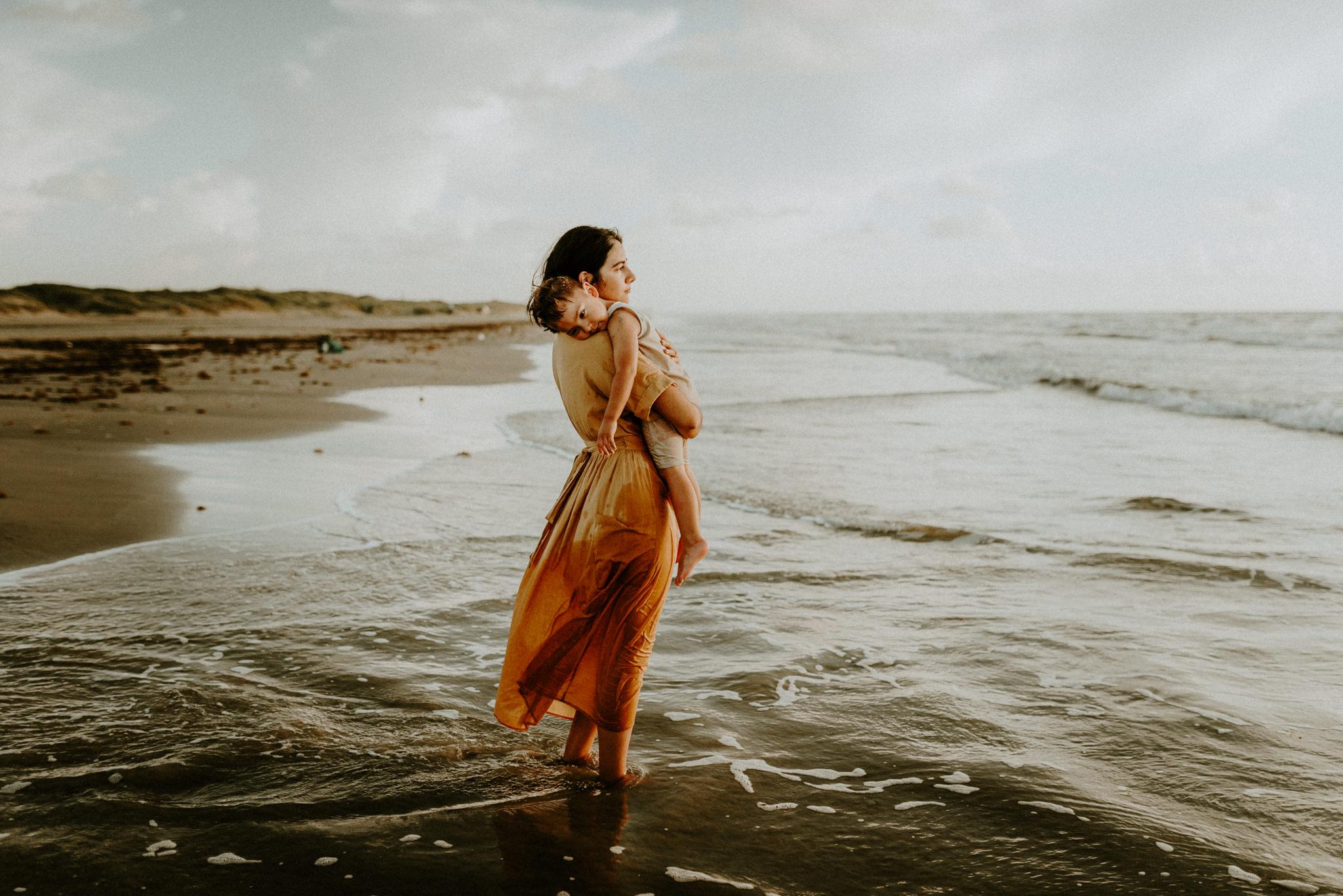 sunrise-family-session-padre-island-beach-Kerlyn-Van-Gelder-Photography-Corpus-Christi-Photographer101.jpg