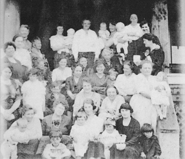 Civic Club members in 1921
