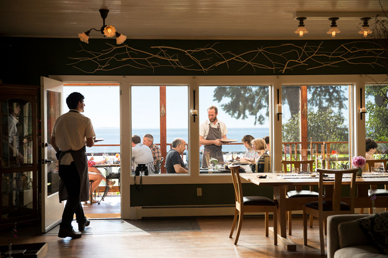 Lummi-Island-Willows-dining.jpg