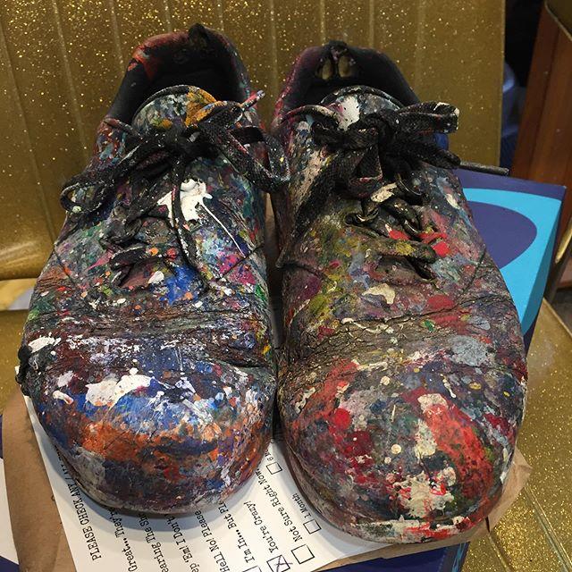 Thank you Artist Katherine Bradford @kathebradford for sending your shoes... And I love a good challenge 😜#portraitofanartist #artist shoes #shoesasportrait #oilpainting #shoes