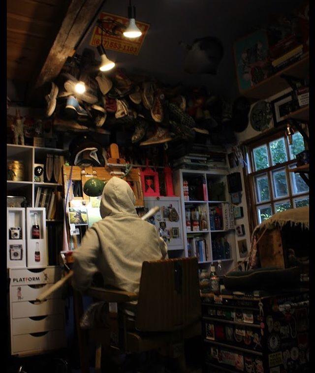 My good friend Erin @erintabak came over to shoot a few photos in my studio #in the studio #art studio #portraitofanartist