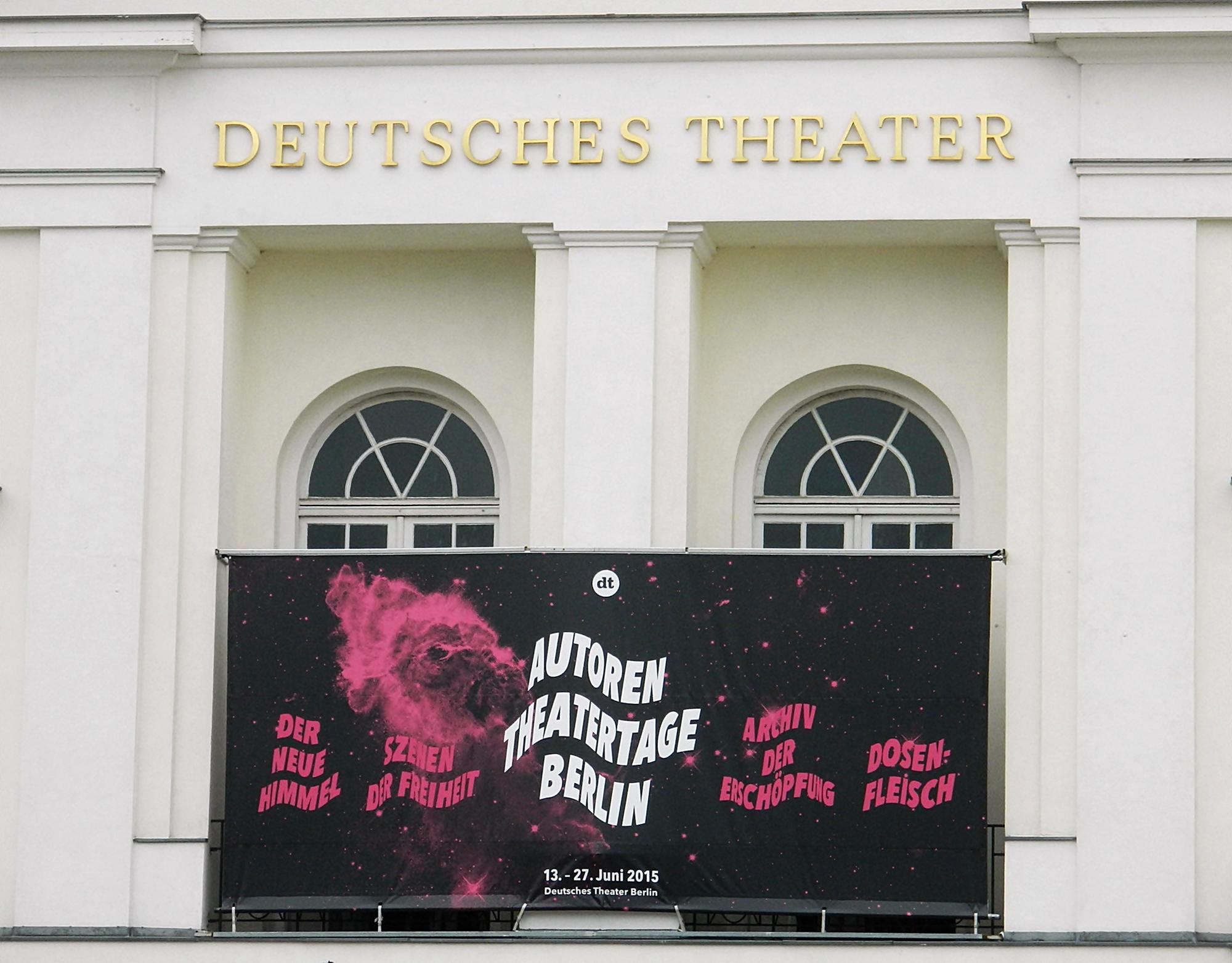 """""""Dosenfleisch"""" von Ferdinand Schmalz bei den Autoren Theatertagen in Berlin"""