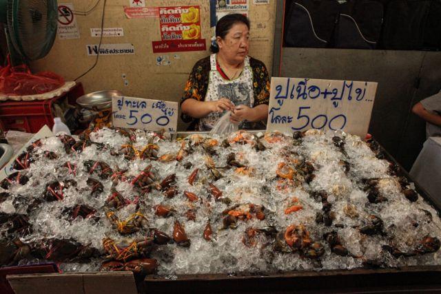 9a Vendor selling Crabs.jpg
