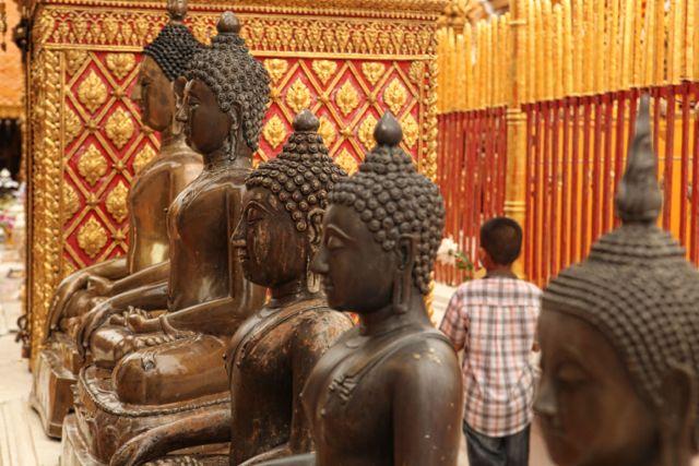 Buddhas Chaing Mai.jpg