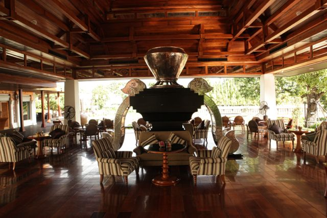 Lounge at the Rati Lanna Chaing Mai.jpg