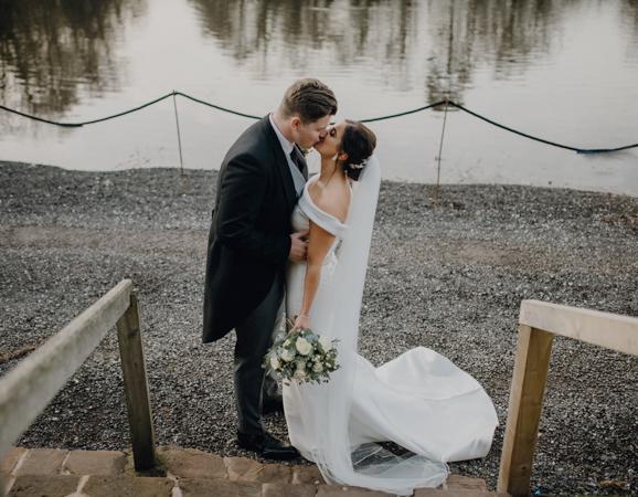 WINTER WEDDING LAKESIDE MARQUEE THORNTON MANOR-89.jpg