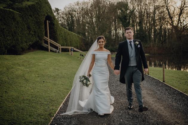 WINTER WEDDING LAKESIDE MARQUEE THORNTON MANOR-135.jpg