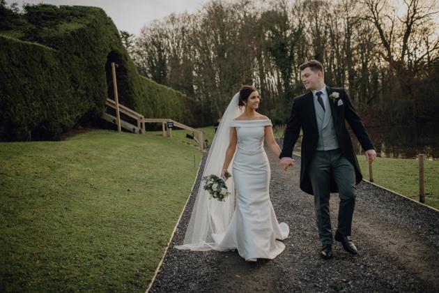 WINTER WEDDING LAKESIDE MARQUEE THORNTON MANOR-136.jpg