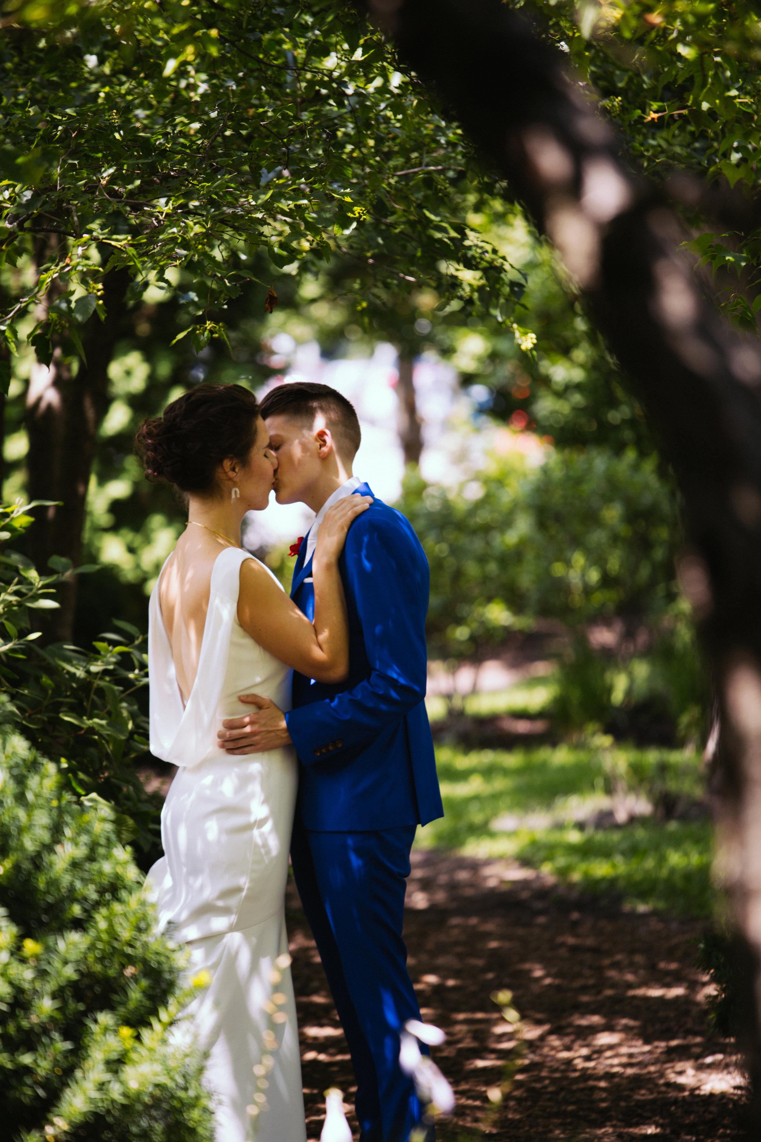 170722_Lisa_Lindsey_Wedding_0109.jpg