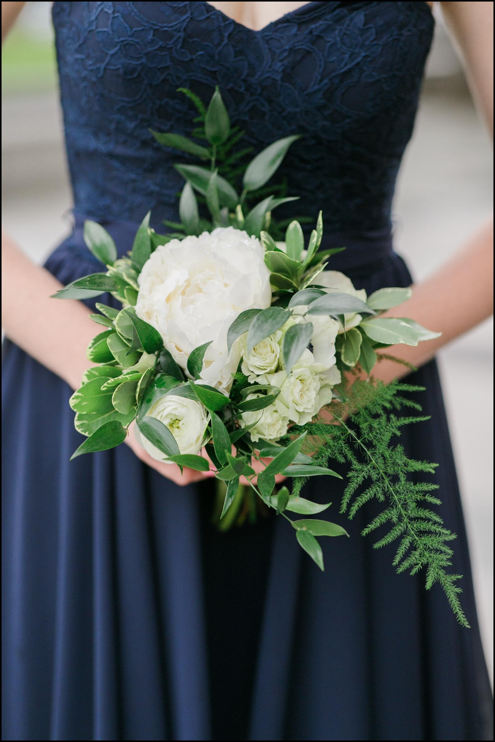 Bridemaid holding the wedding bouquet