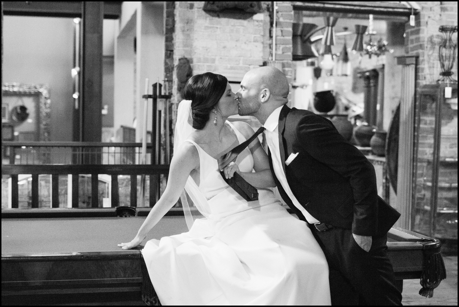 Bride an groom kiss