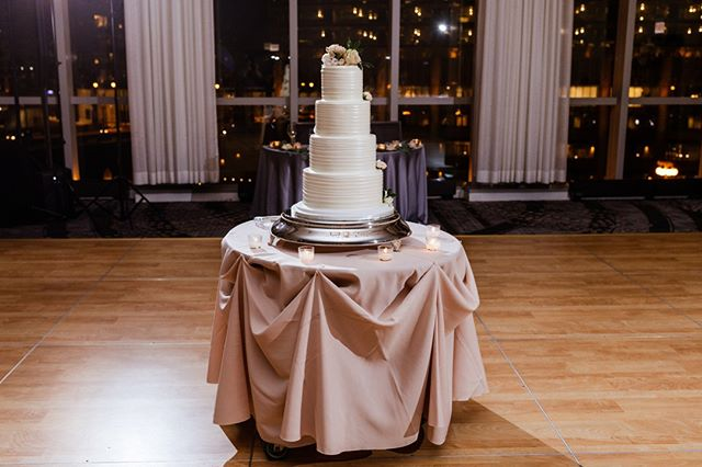 Let your cake take center stage during dinner- then after every morsel is devoured, hit the dance floor! ⠀⠀⠀⠀⠀⠀⠀⠀⠀ ⠀⠀⠀⠀⠀⠀⠀⠀⠀ ✨Chicago Wedding Pros✨⠀⠀⠀⠀⠀⠀⠀⠀⠀ Planner: Ashely C., Simply Elegant Group⠀⠀⠀⠀⠀⠀⠀⠀⠀ Photographer: @jilltiongcophoto⠀⠀⠀⠀⠀⠀⠀⠀⠀ Ceremony Venue: #AliceMillarChapel ⠀⠀⠀⠀⠀⠀⠀⠀⠀ Reception Venue: @lhchicago ⠀⠀⠀⠀⠀⠀⠀⠀⠀ Video: @fortyonefilms⠀⠀⠀⠀⠀⠀⠀⠀⠀ Florals: @stevesflowermarket⠀⠀⠀⠀⠀⠀⠀⠀⠀ Cake: @bittersweetpastryshop⠀⠀⠀⠀⠀⠀⠀⠀⠀ DJ: @amplifiedeventsdj⠀⠀⠀⠀⠀⠀⠀⠀⠀ Photo Booth: @snapboothchicago⠀⠀⠀⠀⠀⠀⠀⠀⠀ Transportation: @windycitylimo⠀⠀⠀⠀⠀⠀⠀⠀⠀ Hair:@giadoeshair⠀⠀⠀⠀⠀⠀⠀⠀⠀ Makeup: @joannabartistry⠀⠀⠀⠀⠀⠀⠀⠀⠀ Dress: Watters, @lovelybridechicago⠀⠀⠀⠀⠀⠀⠀⠀⠀ Invites: Meg Kowieski (Bridesmaid/friend)⠀⠀⠀⠀⠀⠀⠀⠀⠀ Men's Attire: @formallymodern ⠀⠀⠀⠀⠀⠀⠀⠀⠀ Rings: Numined / Dimend Scaasi⠀⠀⠀⠀⠀⠀⠀⠀⠀ Bridesmaid Dresses: @brideside⠀⠀⠀⠀⠀⠀⠀⠀⠀ Bride's Coverup: Betsy Johnson - BHLDN ⠀⠀⠀⠀⠀⠀⠀⠀⠀ ⠀⠀⠀⠀⠀⠀⠀⠀⠀ ⠀⠀⠀⠀⠀⠀⠀⠀⠀ #weddingcake #caketable #fourtiercake #whiteweddingcake #cakedisplay #weddingreception #lhchicago #LondonHouseChicago #LondonHouse #chicagowedding #chicagoweddingplanner #lakeshorebride #chiwedding #chicagobride #thecelebrationsociety