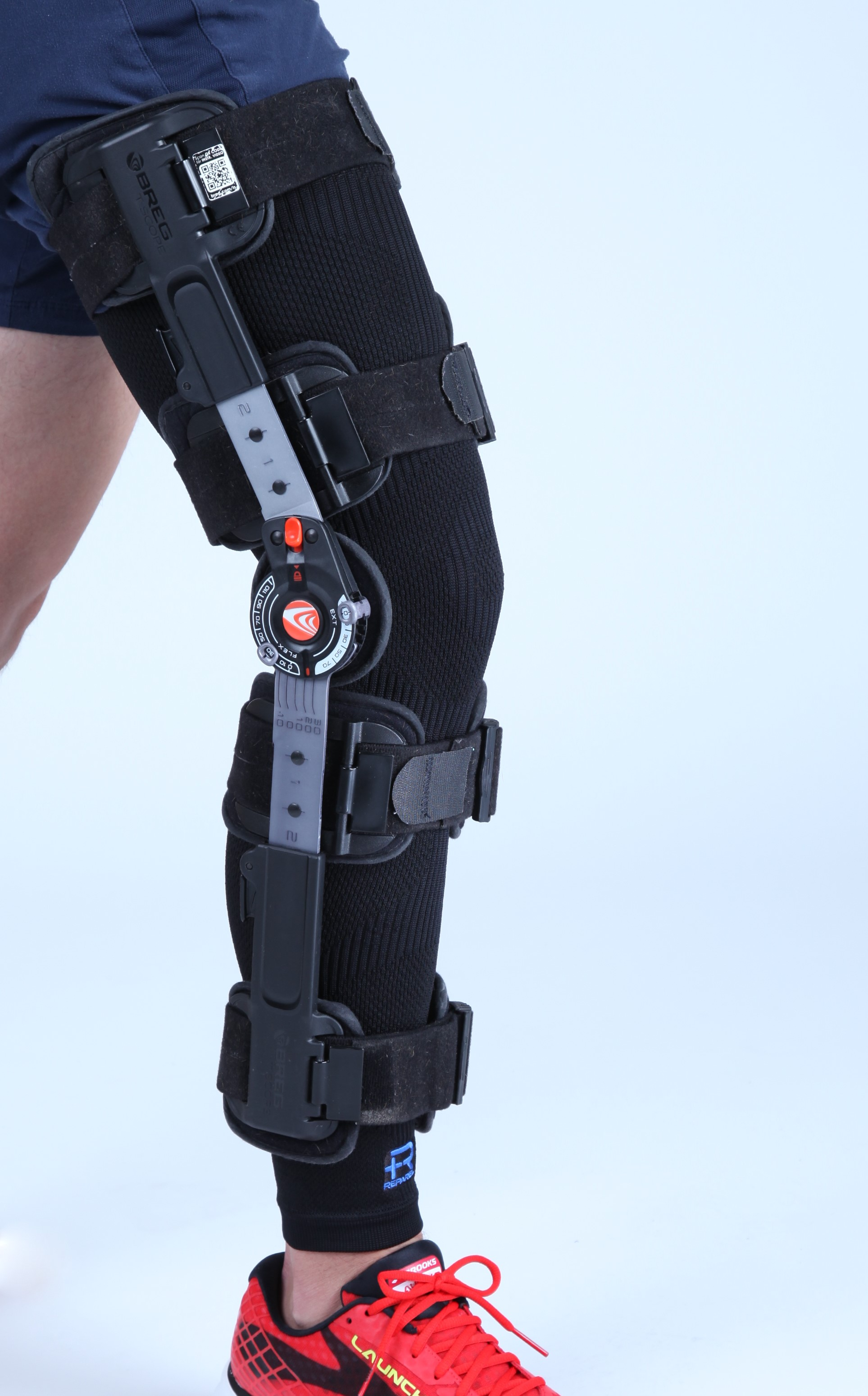 Reparel Leg Sleeve with Brace.jpg
