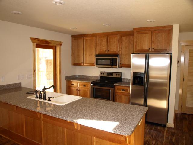 2 Int-Kitchen.jpg