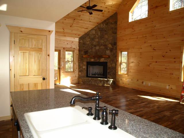 3 Int-kitchen 2.jpg
