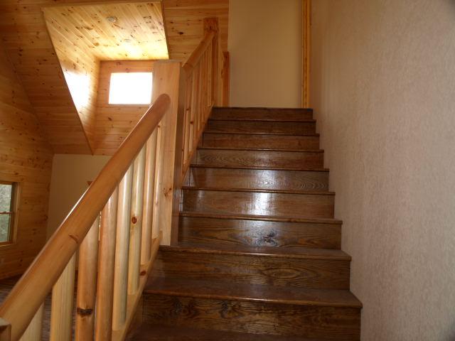 4 Int-Stairs.jpg