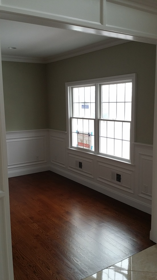 dining room wall and wainscotting painting
