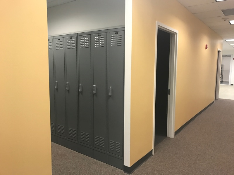 office accent wall painting by painting contractor