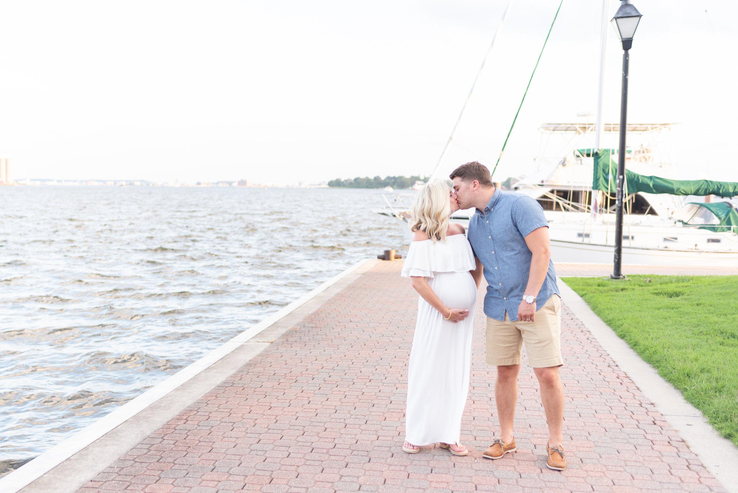 Kelli + Greg Maternity Photos (107 of 150).jpg